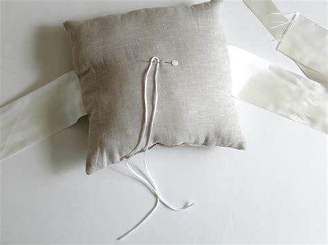 how to sew a ring bearer pillow for a wedding diynetwork com how tos diy