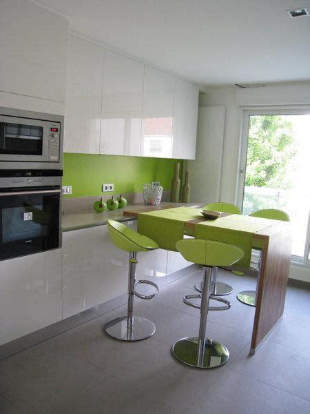 cuisine blanche et verte déco cuisine vert pomme
