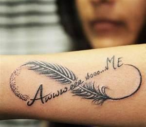 Tatouage Amour éternel : tatouage plume et signe infini cochese tattoo ~ Melissatoandfro.com Idées de Décoration