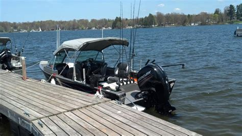 Lund Boats Leaking by Lund Or Crestliner This Boat Lake Erie United