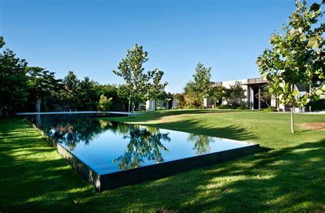 private reflecting pool interior design ideas
