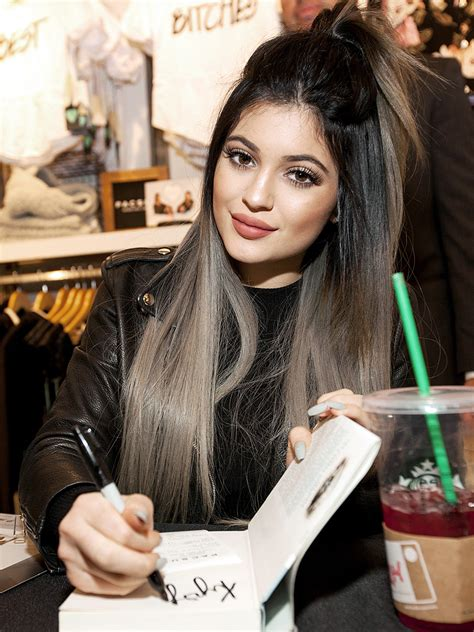 kylie jenners hair colors   shade   worn