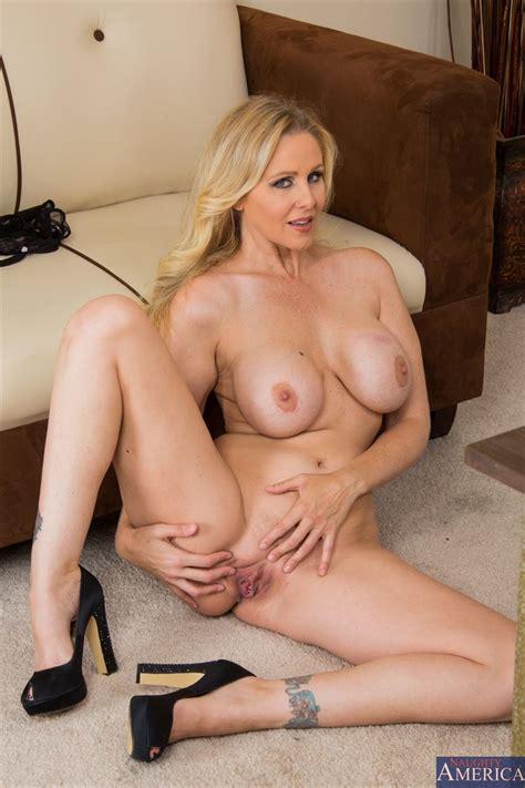 Julia Ann Fucks Office 40 New Porn Photos