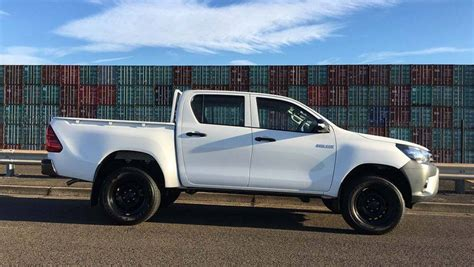 Toyota 4x4 by 2016 Toyota Hilux Workmate 4x4 Auto Dual Cab Review
