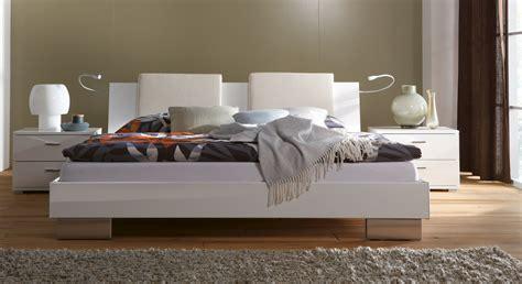 Bett In Hochglanz In Weiß  Piceno Bettende