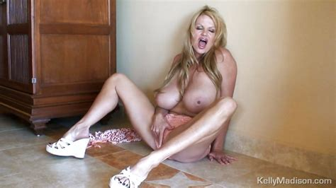 Milf Kelly Madison Gets Out Of Lingerie Grabbing Tits 4tube
