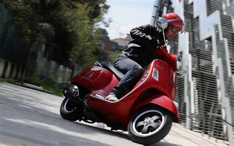 Vespa Gts Wallpapers by Vespa Gts 125 Wallpapers And Images Wallpapers