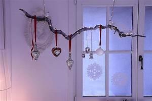 Deko Zum Hängen Ins Fenster : diy weihnachtliche fensterdeko ~ Indierocktalk.com Haus und Dekorationen
