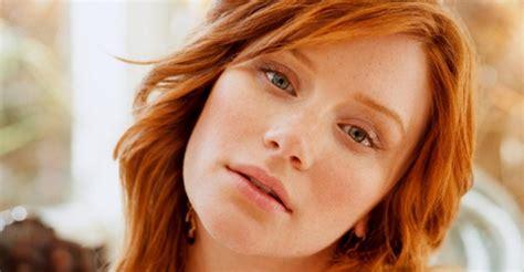 lead actress jurassic world bryce dallas howard in talks for lead role in jurassic