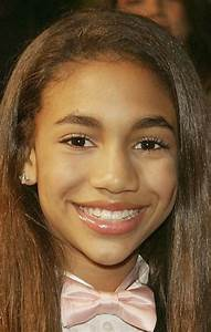 Paige Hurd Pictures and Photos | Fandango