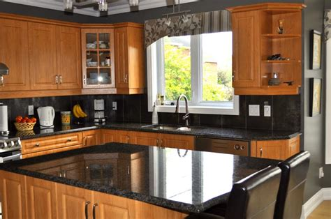 granite cuisine comptoirs en granite de différentes couleurs les artisans