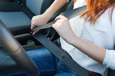 5 Reasons Why Wearing a Seat Belt is Important While Driving
