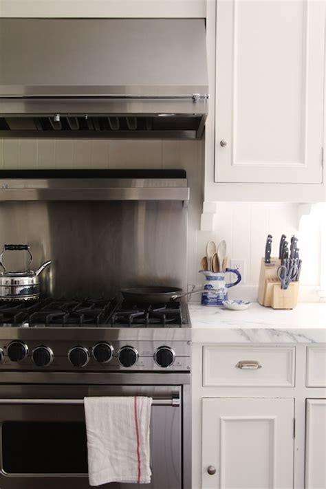 Kitchen Backsplash With Stainless Steel Hood Ideas