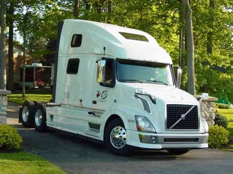 volvo 2013 truck volvo 780 2013 sleeper semi trucks