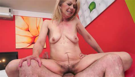 Double Penetration Gloriuos Skiny Pink Haired