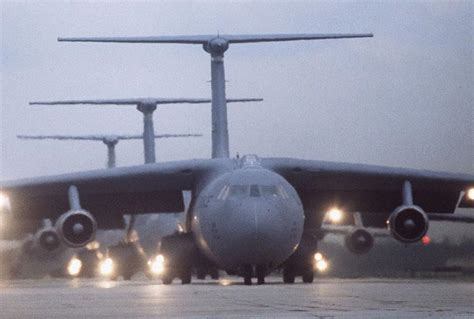 starlifter military aircraft