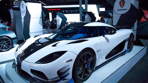 koenigsegg rs1 koenigsegg agera rs1 debuts at 2017 new york auto show