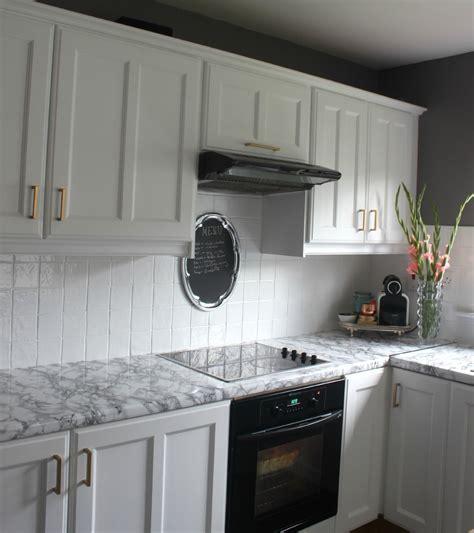painted tile backsplash cover those ugly tiles! ~ Make Do