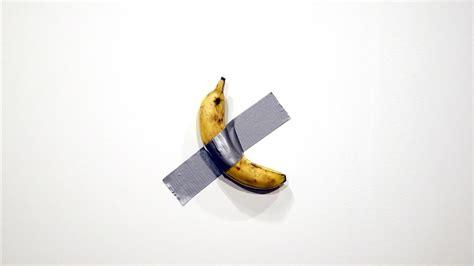banaan aan de muur verkocht voor  dollar rtlz