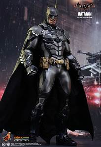 Hot Toys Batman Arkham Knight Batman