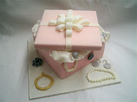 Cake Decoration Ideas With Gems by You To See Jewelry Box Cake By Mylittlekitchen