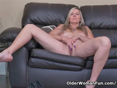 Canadian Milf Velvet Skye Slowly Rubs Her Mature Pussy Free Porn Videos Youporn