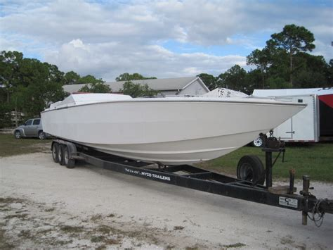 Catamaran Boat For Sale Near Me by 42 Cigarette Hull For Sale Offshoreonly