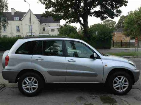 toyota main dealer toyota 2002 rav 4 2 0 5 door silver only 71k miles full