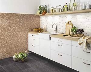 Fliesenspiegel In Der Küche : weisse k che mit mosaikfliesen die besten einrichtungsideen und innovative m belauswahl ~ Markanthonyermac.com Haus und Dekorationen