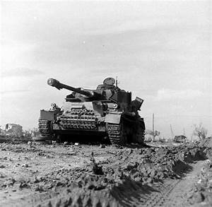 Wwii Photo German Pzkpfw  Iv Knocked Out Italy 1944 Ww2 B
