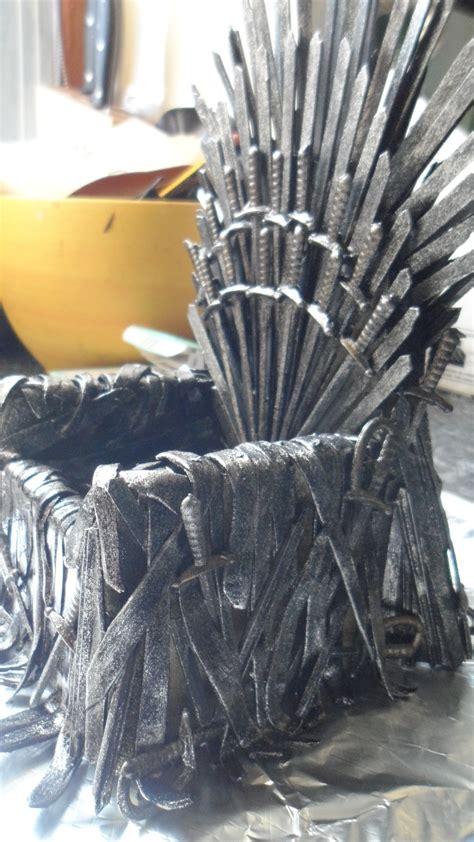 iron throne   phone     piece