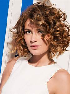 Coupe Courte Frisée Femme : coupe courte cheveux boucl s ~ Melissatoandfro.com Idées de Décoration