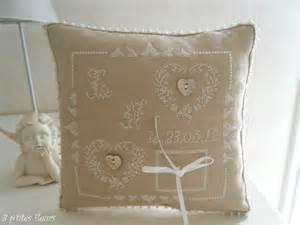 point mariage plan de cagne coussin mariage pour ma fille photo de petits coussins brodés 3 p 39 tites fleurs
