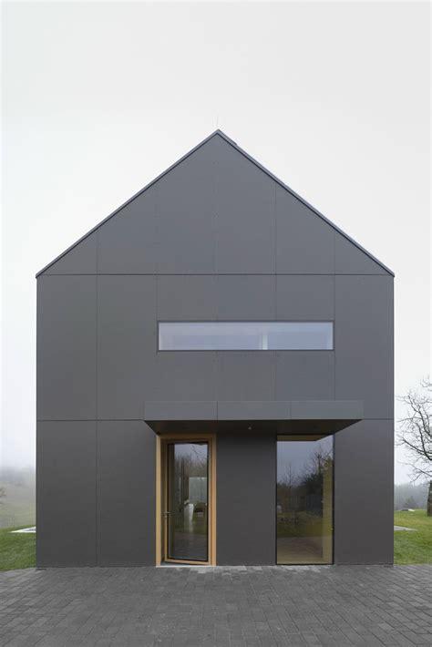 Moderne Häuser Mit Trespa by The Black Barn Arhitektura D O O