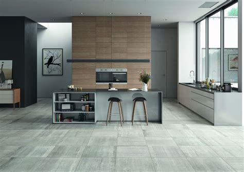 cuisine sol blanc salle de bain sol noir mur gris
