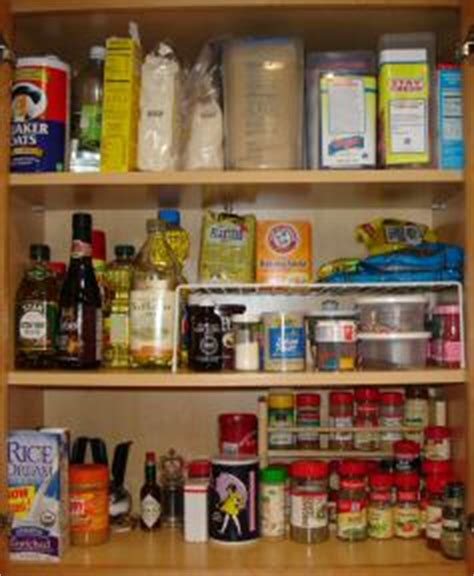 how to best organize kitchen cabinets organizing kitchen cabinets 8504