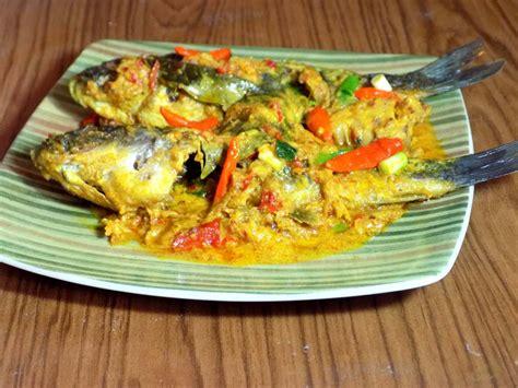 Saatnya mencoba resep masakan ikan, selain lezat, ikan juga mengandung protein tinggi yang baik untuk tumbuh kembang si kecil. Resep Masakan Ikan Mas Kuning Yang Wajib Dicoba - BUKU MASAKAN - BUKU MASAKAN