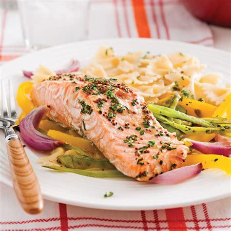 truite cuisine truite saumonée en papillote et julienne de légumes