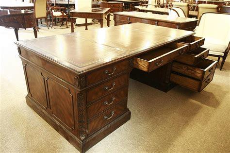 High End Executive Leather Top Desk Mahogany Desk