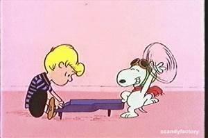 Snoopy Animated Gif - Renkli Duvar