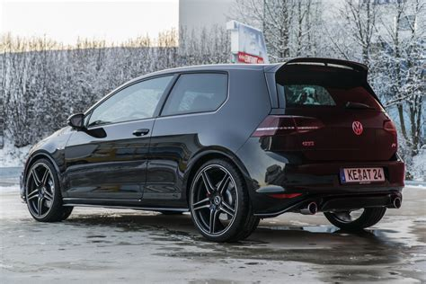 golf 7 gti clubsport abt injects vw golf gti clubsport s with 370 ps and a
