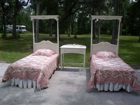 How To Create Unique Girls Twin Canopy Bed House Photos