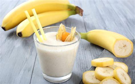Tidak seperti jus murni, smoothies menahan serat lebih banyak yang penting bagi pola. 5 Minuman Sehat Yang Cocok Untuk Berbuka Puasa - Inspirasi ...