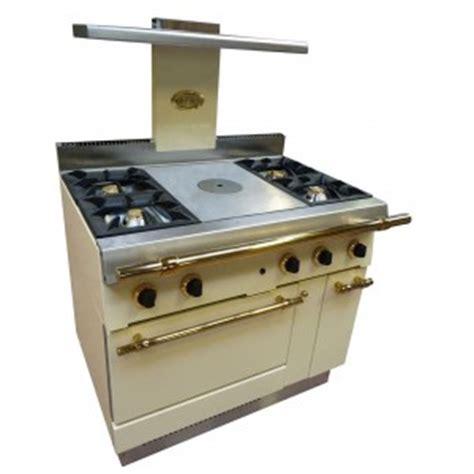fourneau de cuisine fourneau professionnel pour particulier espace hôtelier