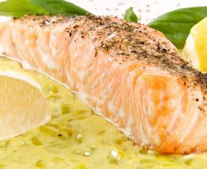 comment cuisiner le saumon cuisiner un pave de saumon 28 images cuisine cuisiner