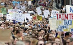 Thousands march through London to protest against Brexit ...