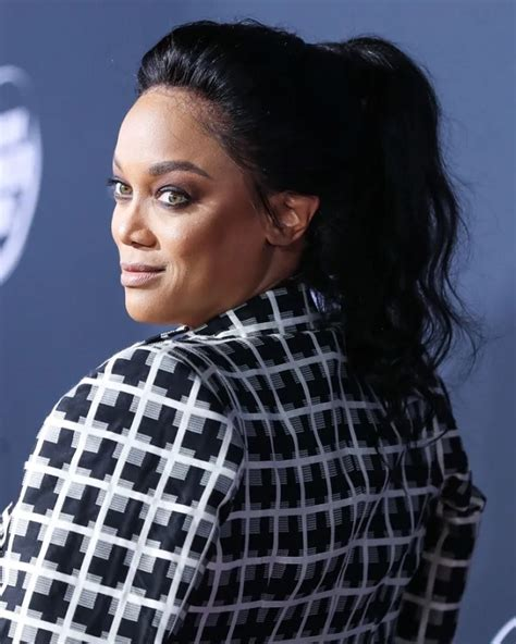 fans  calling tyra banks  thick bbw  weight gain