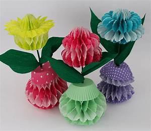 Papierblumen Selber Basteln : papierblumen in wabenoptik handmade kultur ~ Orissabook.com Haus und Dekorationen