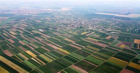 farmlandgraborg serbian village raises complaint