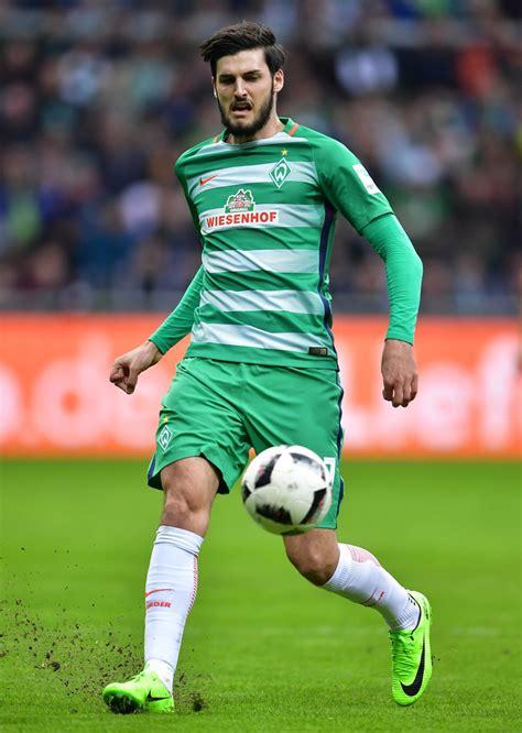 El «sv werder bremen ii», a veces también denominado werder bremen amateure, es el conjunto filial del werder bremen. Florian Grillitsch Photos Photos - Werder Bremen v SV Darmstadt 98 - Bundesliga - Zimbio